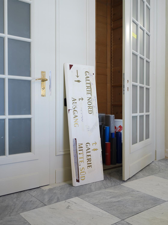 Nulleins Kommunikationsdesign Bern; Signaletik; 2016–2019, Casino Bern; Prototyp; Making of; analog; Blattgold; vergoldet; Collier; Galerie Nord; Conzepta