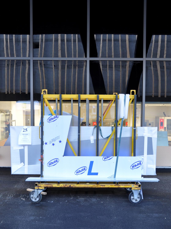 Signaletik Makingoff Grindelwald Terminal Schrift Fassade