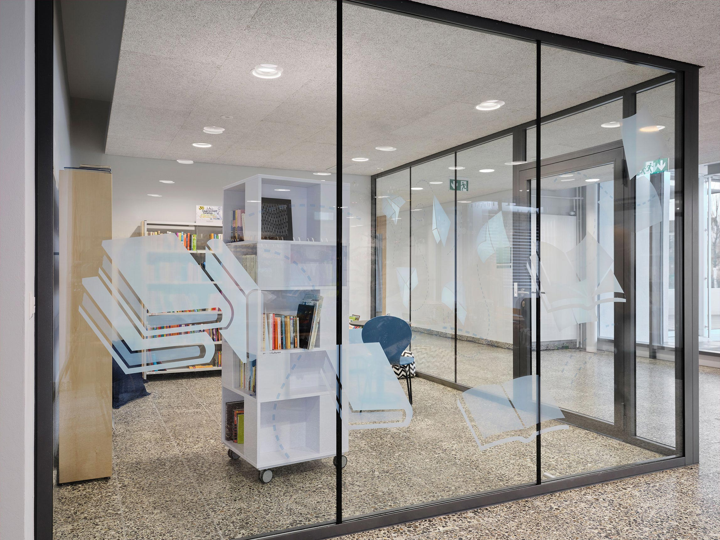 Bibliothek Auflaufschutz Burgfeld Bern Signaletik