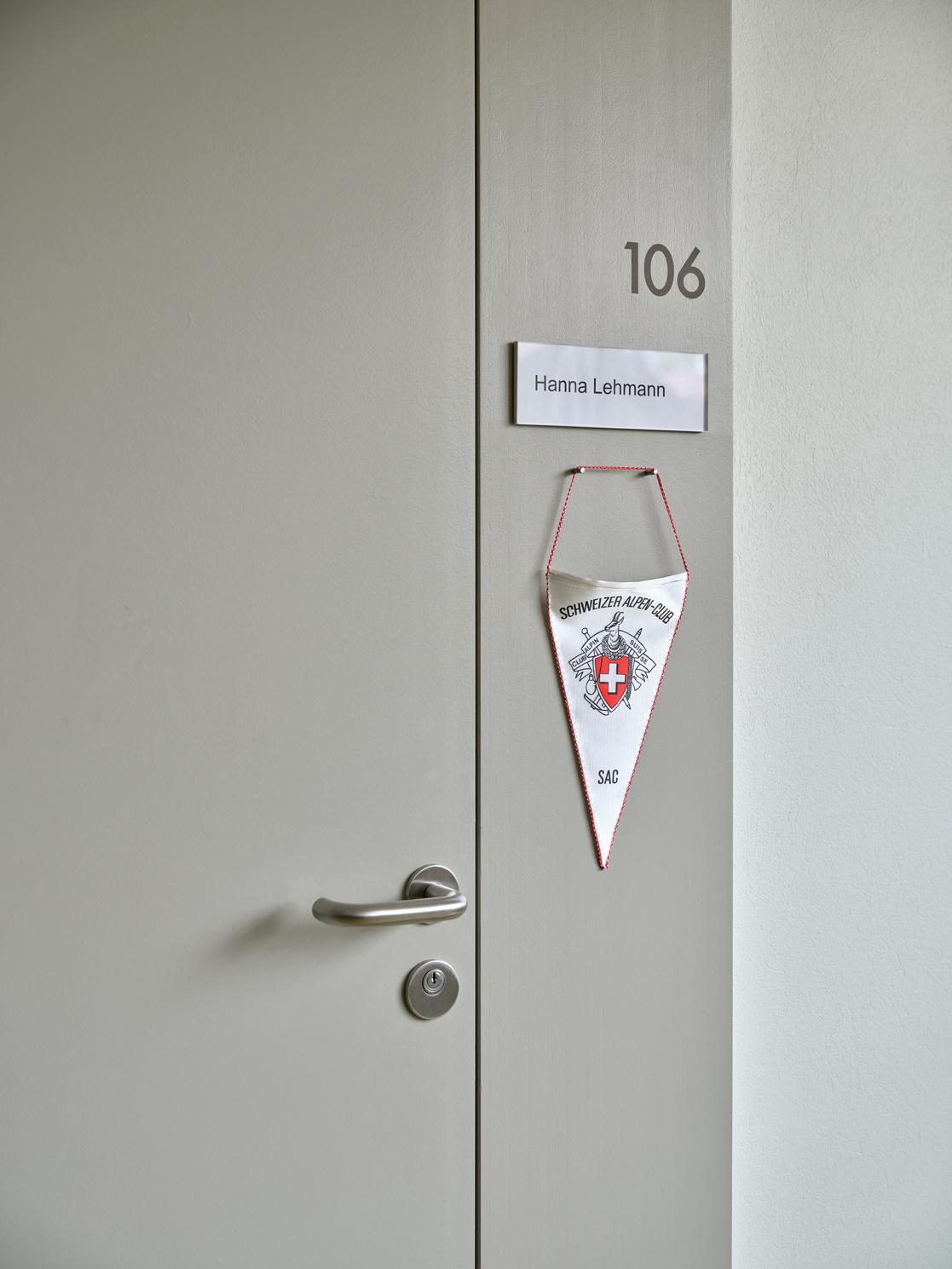 Bewohnerzimmer mit individueller Gestaltung, Alterszentrum Kühlewil, Signaletik durch Nulleins Bern