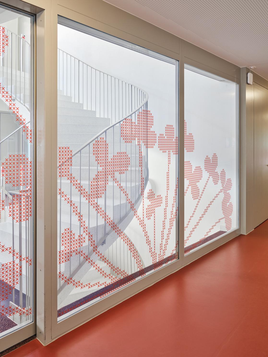 Auflaufschutz Neubau Kühlewil, Gruppe Klee, Signaletik durch Nulleins gmbH
